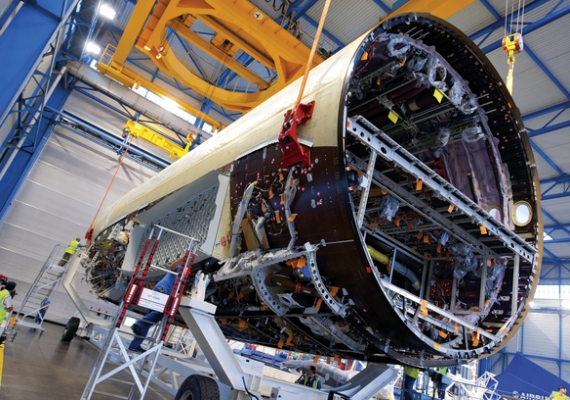 A350_Fuselage_AW_05_06_2013_AIRBUS-HGOUSE_570x400_scaled_cropp