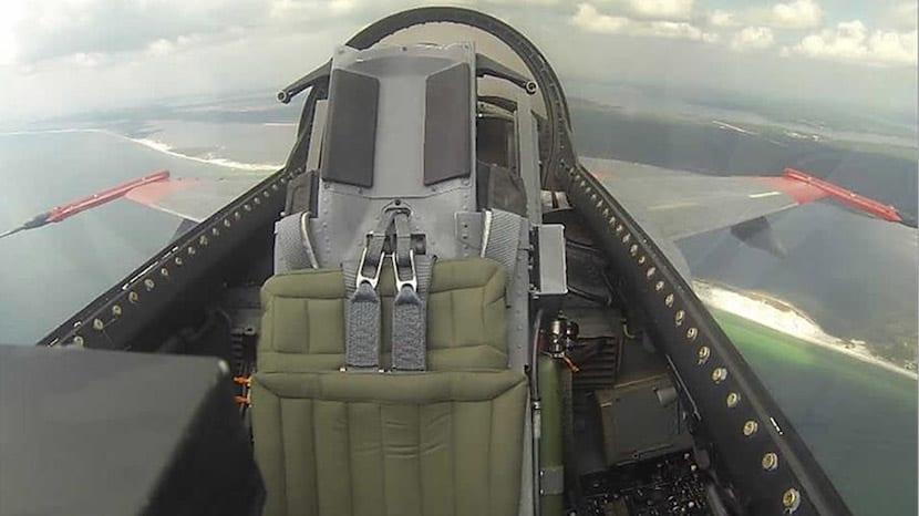 Boeing está transformando los F-16 en drones sin piloto