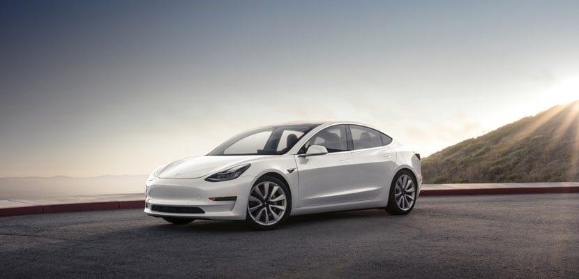 Características completas del Tesla Model 3