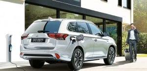 Aumento de ventas de coches híbridos enchufables agosto 2017