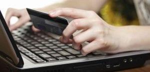 Tiendas falsas anunciándose en Facebook