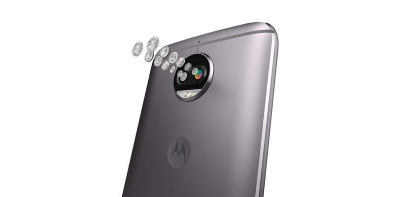 Detalle de la cámara de fotos doble del Moto G5S Plus