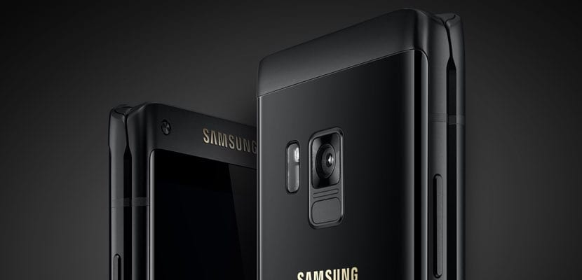 Samsung Leader 8 con formato concha