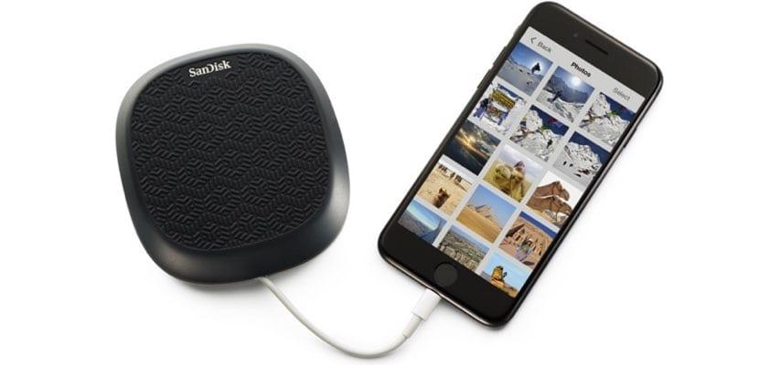 SanDisk iXpand Base, carga tu iPhone y haz una copia de seguridad al mismo tiempo