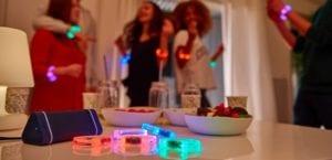 altavoz portátil Hercules y pulseras LED