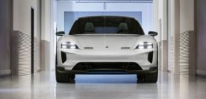 Porsche Mission E Cross Turismo frontal