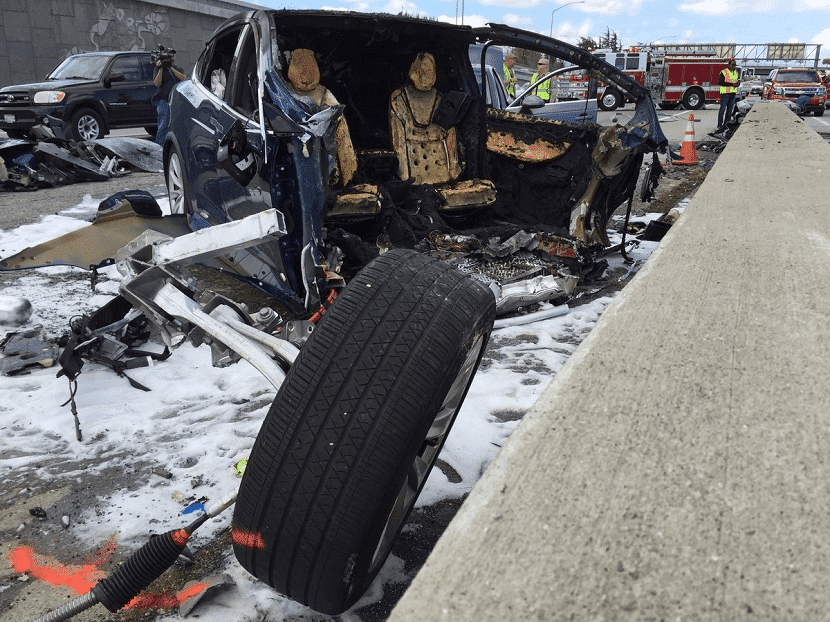 Accidente Tesla Model X