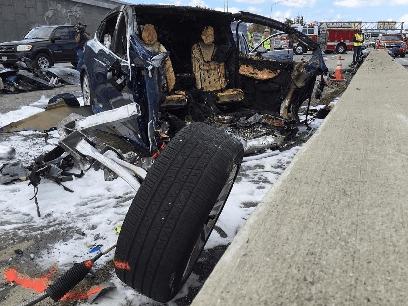 Accidente Tesla Model X