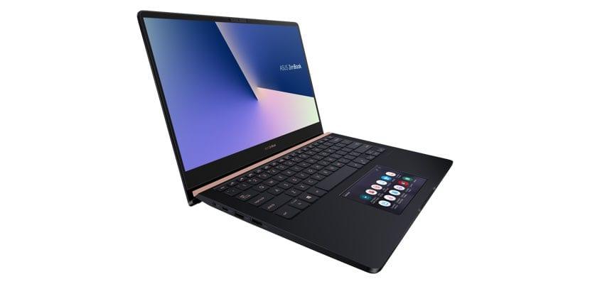 ASUS ZenBook Pro vista lateral