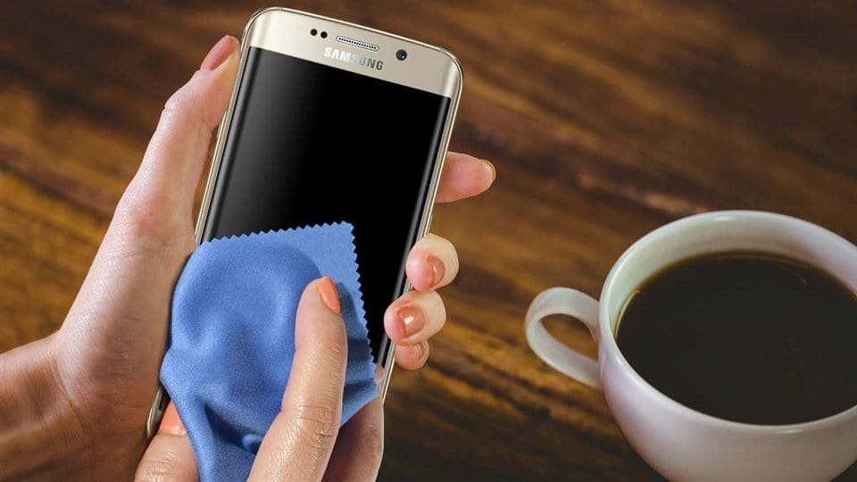 Cómo limpiar la pantalla de tu móvil