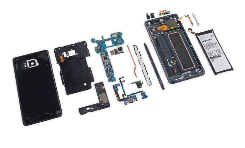 smartphone desmontado