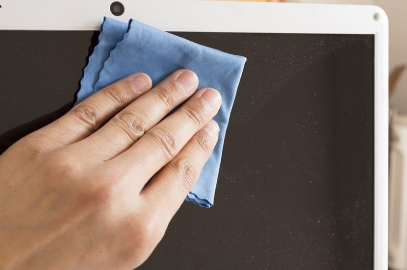 Limpiar pantalla tablet