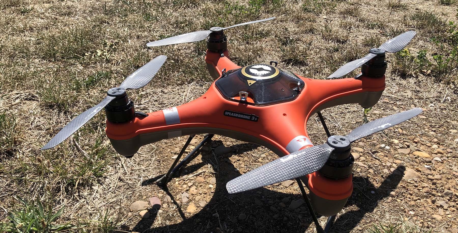 dron Splashdrone 3 + en el campo